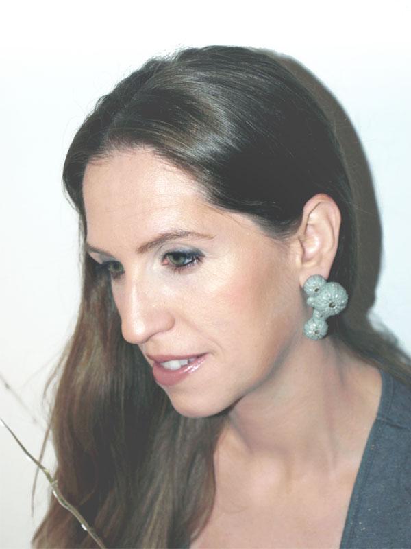 Pendientes asimetricos triku en foto natural de barock jewelry