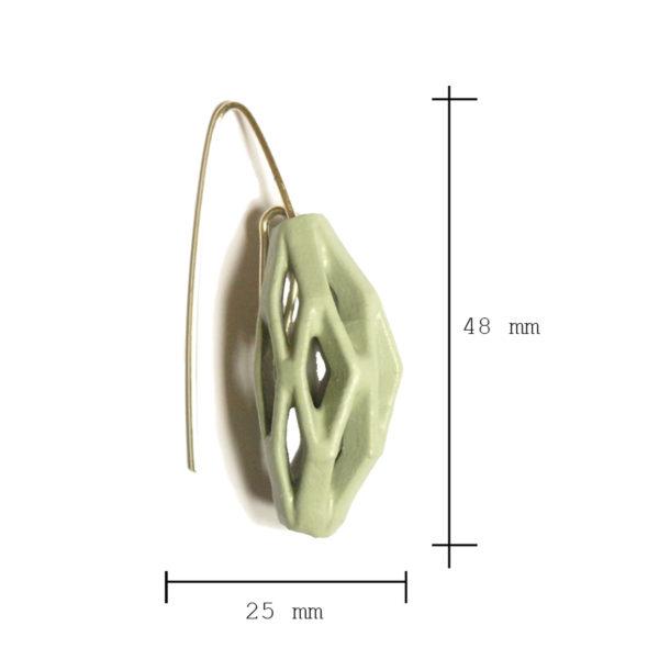 Dimensiones sobre pendientes colgantes diamotea verdes de BaRock jewelry