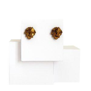 pendientes pequeños harria cobre sobre expositor de BaRock jewelry sobre expositor