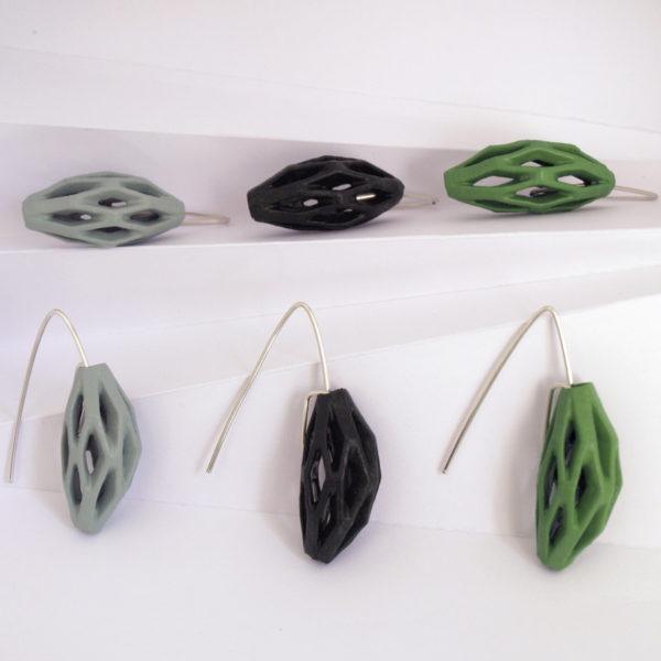 Coleccíon diatomea tonos verdes de pendientes originales colgantes impresos en 3D, acabados en plata y pintados a manos.