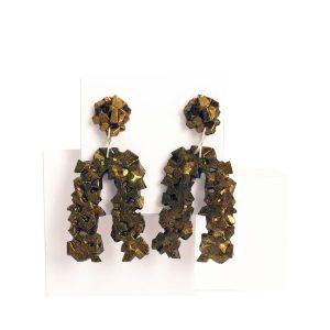 pendientes originales herradura harria cobre sobre expositor de BaRock jewelry
