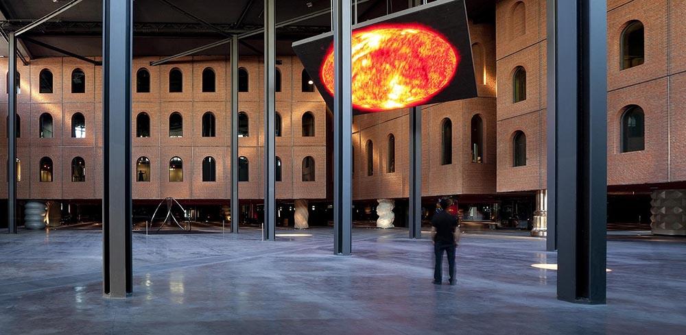Bilbao alhonidiga vista interior